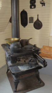 Wood stove for cooking